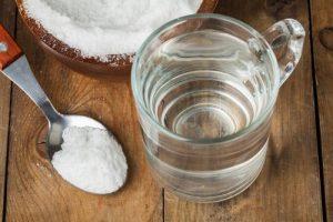 Veja como desentupir pia com água fervente e sal com a Desentupidora Renasce